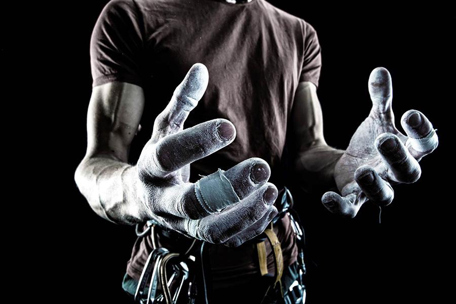 скалолазные сильные пальцы